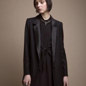Long dress in silk crepe de chine - black