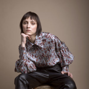 Puff sleeves floral shirt in pure silk 1