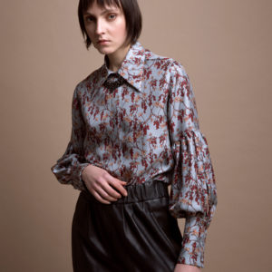 Puff sleeves floral shirt in pure silk